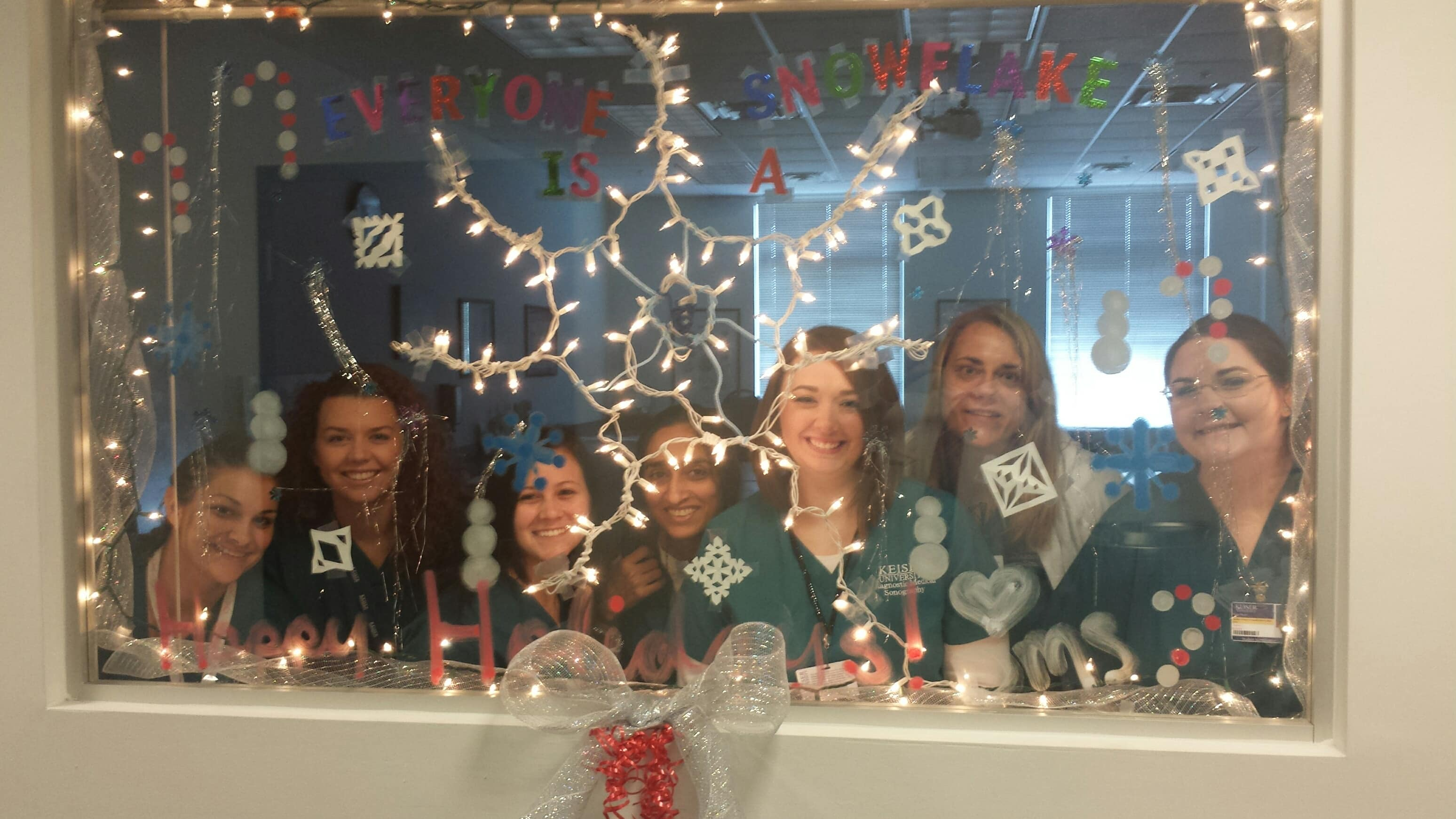 Fort Myers DMS Students Decorate For The Holidays