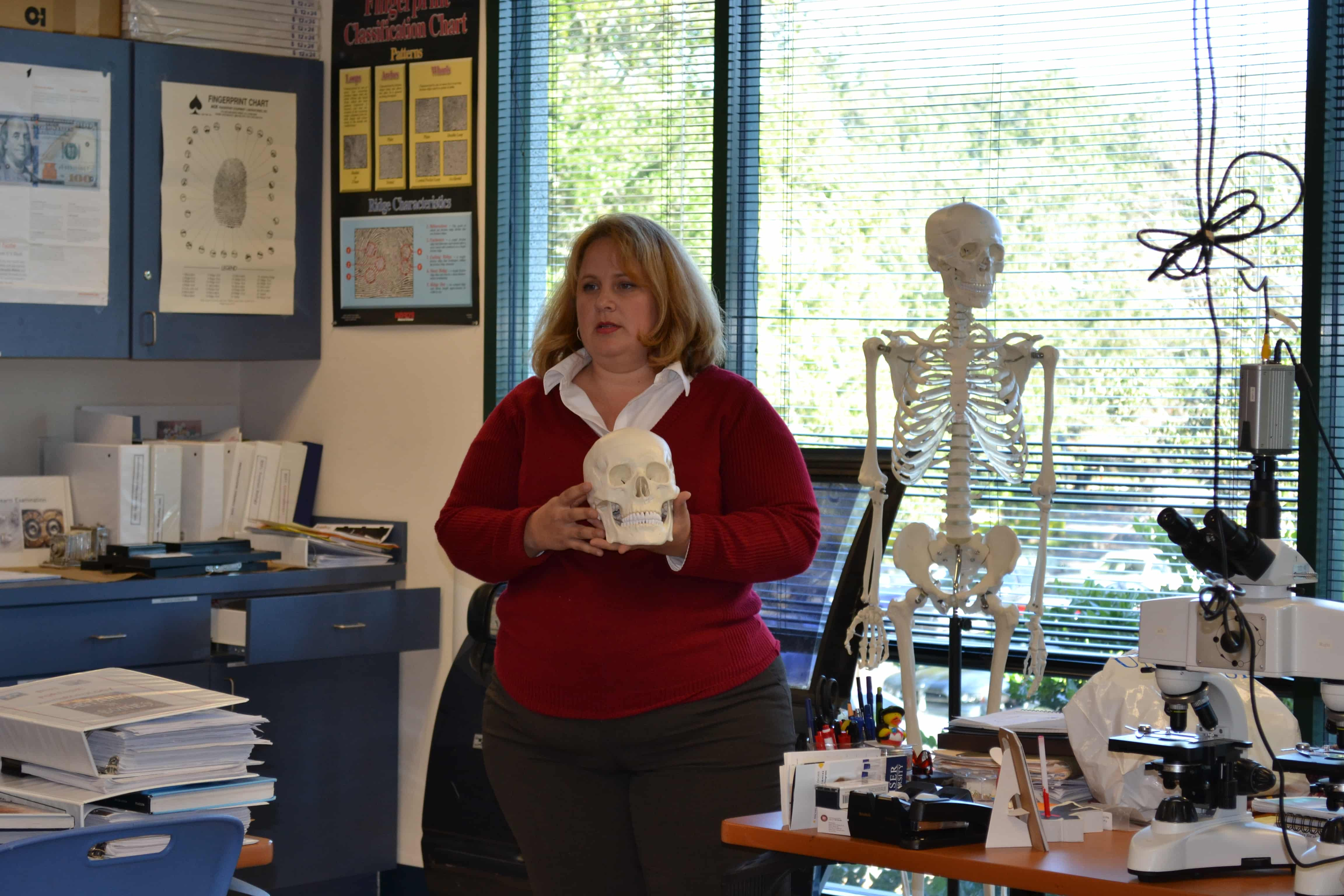 Jacksonville Forensic Investigation Students are Visited by a Forensic Artist