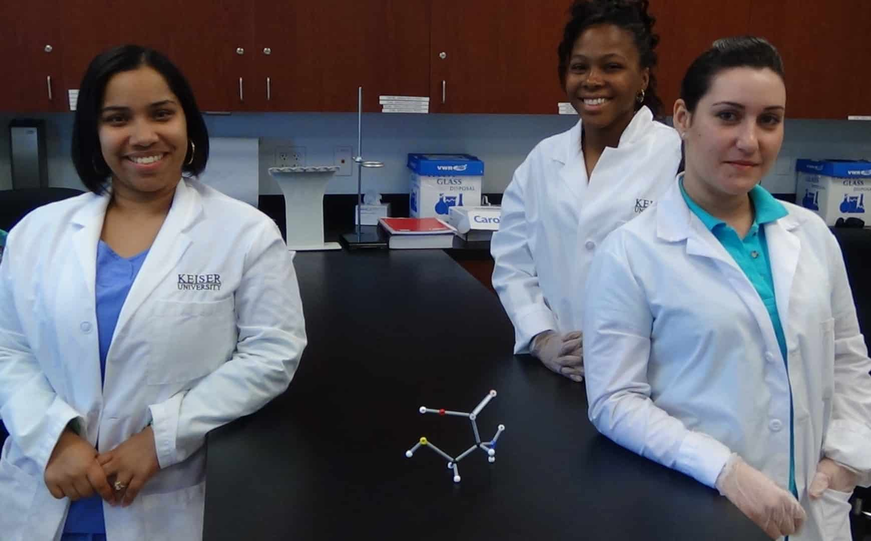 Fort Myers Biomedical Science Students Learn Stereochemistry Using Molecular Models