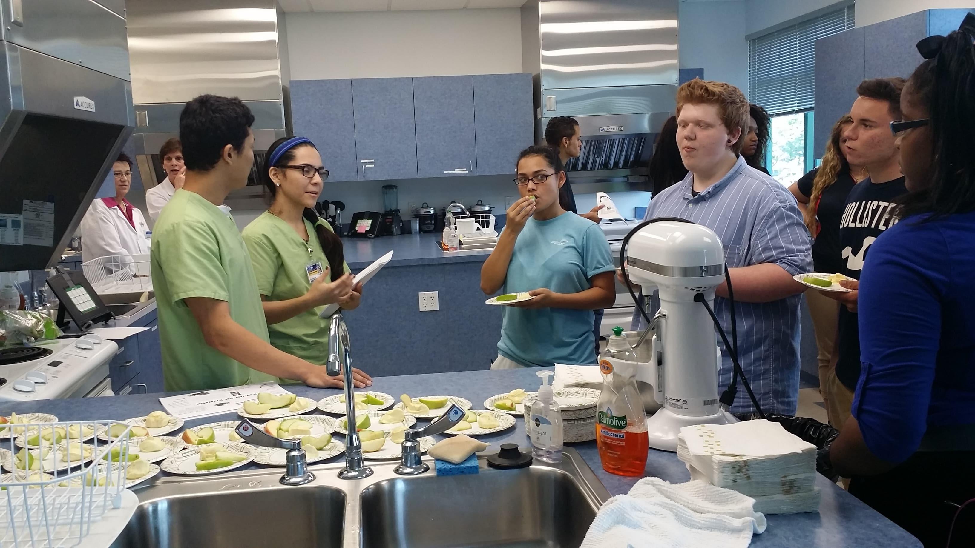 KU Lakeland Host High Schools for a Field Trip