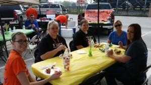 Teacher tailgate March 2015 (3)