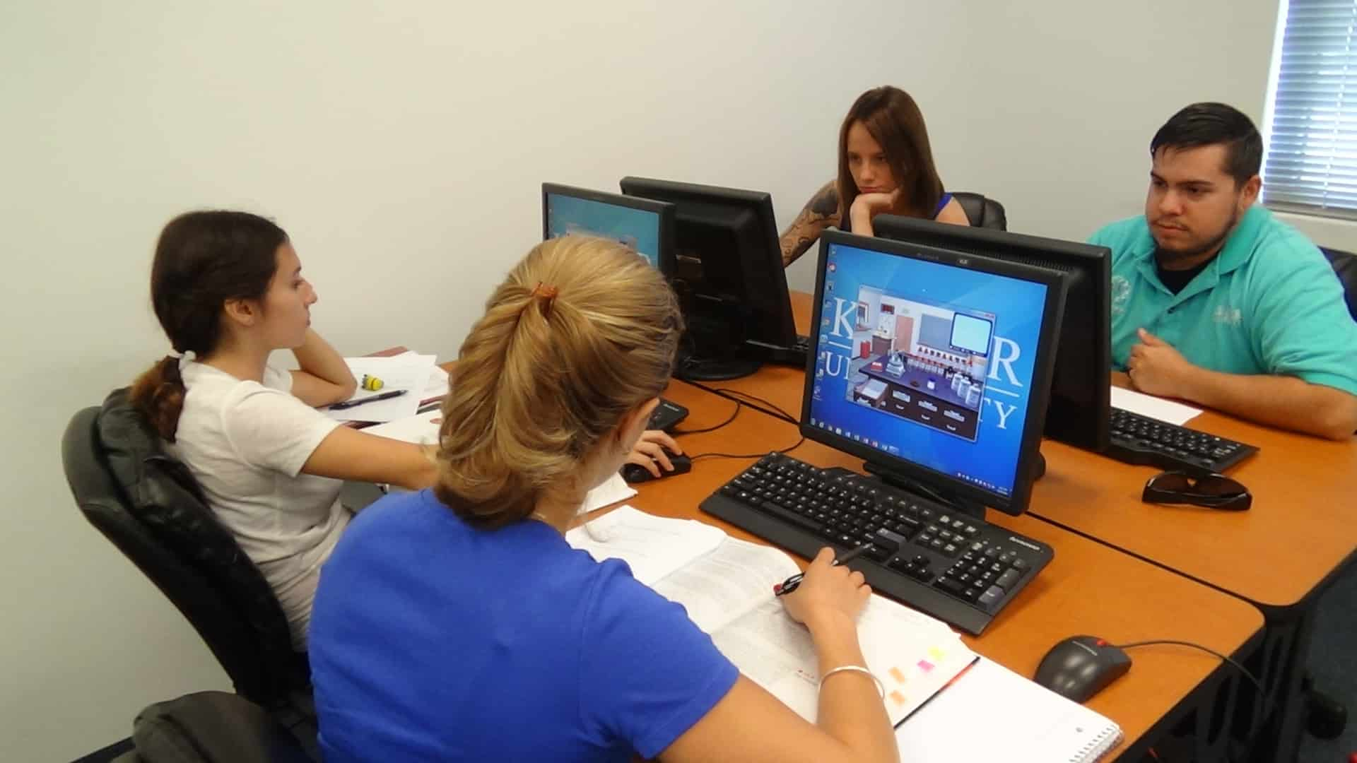 Fort Myers Biomedical Students Use Virtual Chemistry Lab