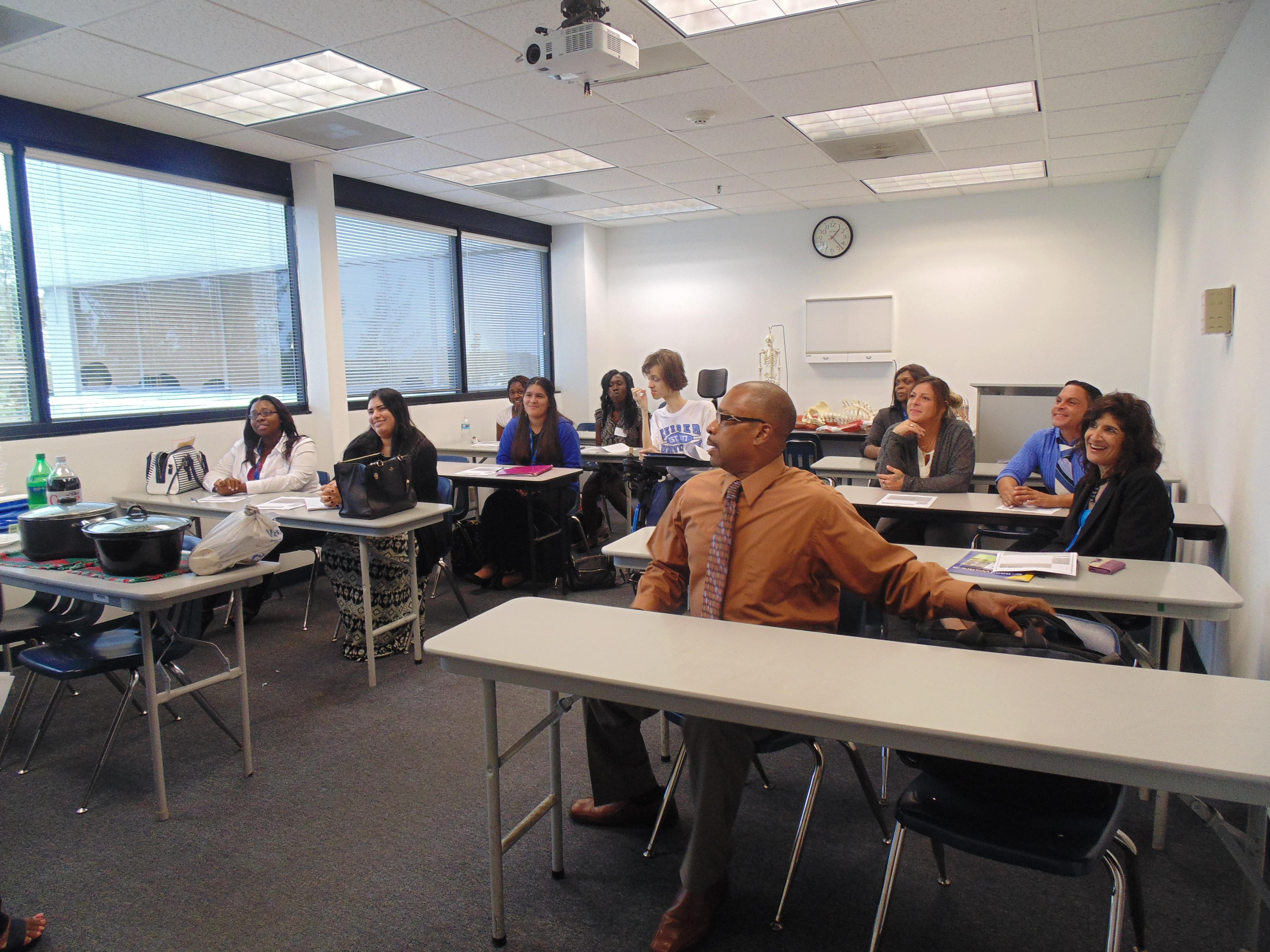 The Ft. Lauderdale Campus Hosts Their First Psychology Club Meeting
