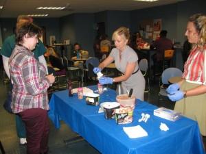 Student appreciation ice cream Aug. 2015 (8)