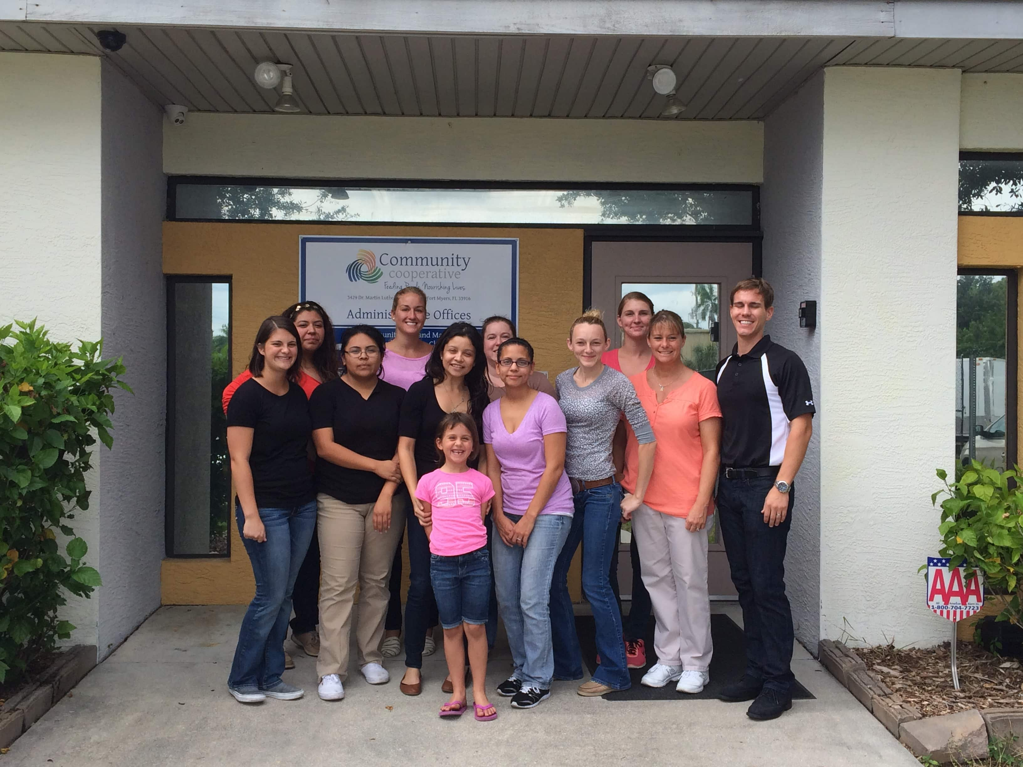 Fort Myers Occupational Therapy Assistant Students Volunteer Time