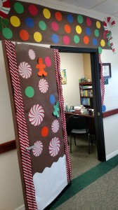 Door decorating contest Dec. 2015 3