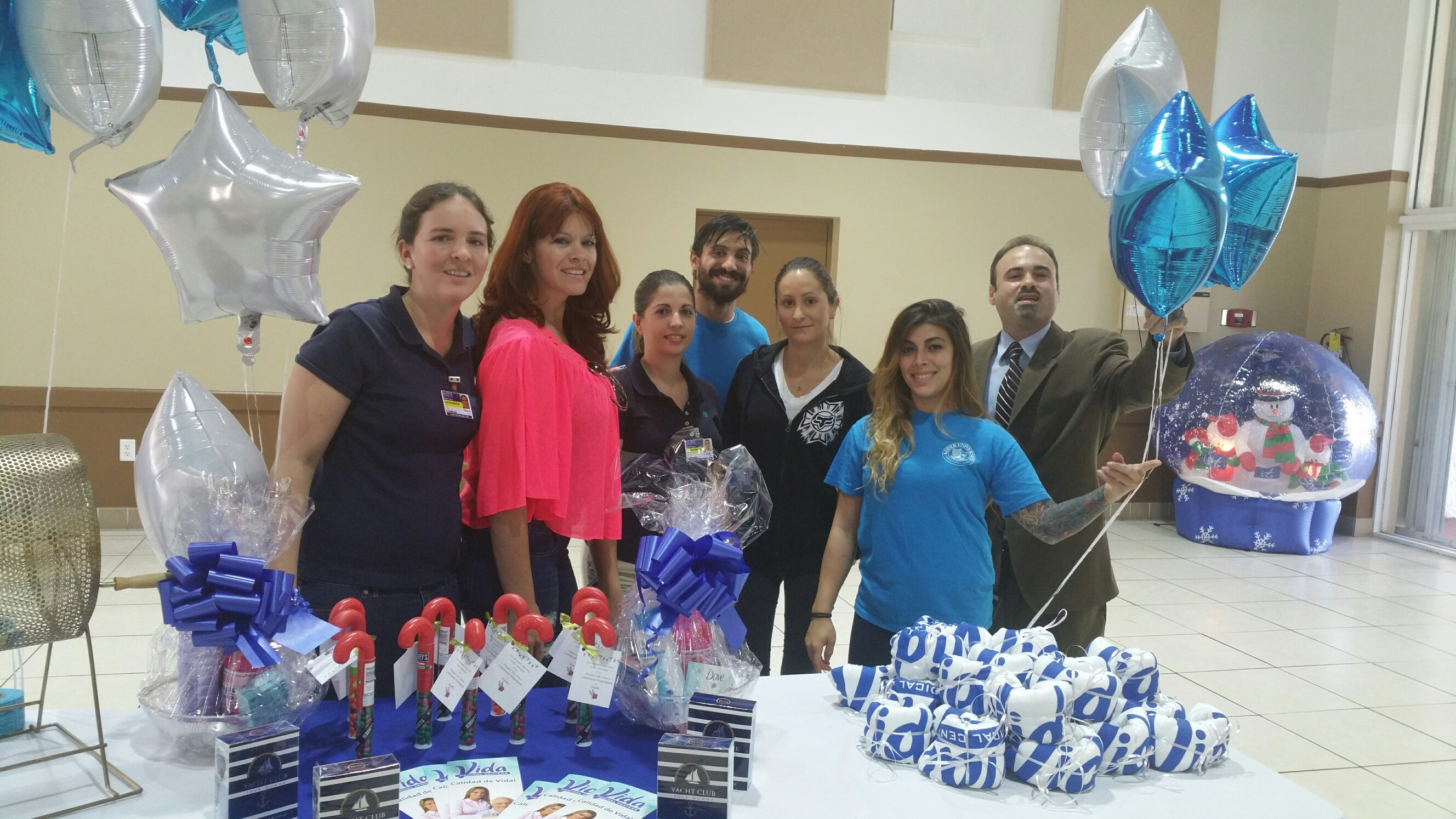 Miami Students Volunteer at the City of Sweetwater's Senior Center
