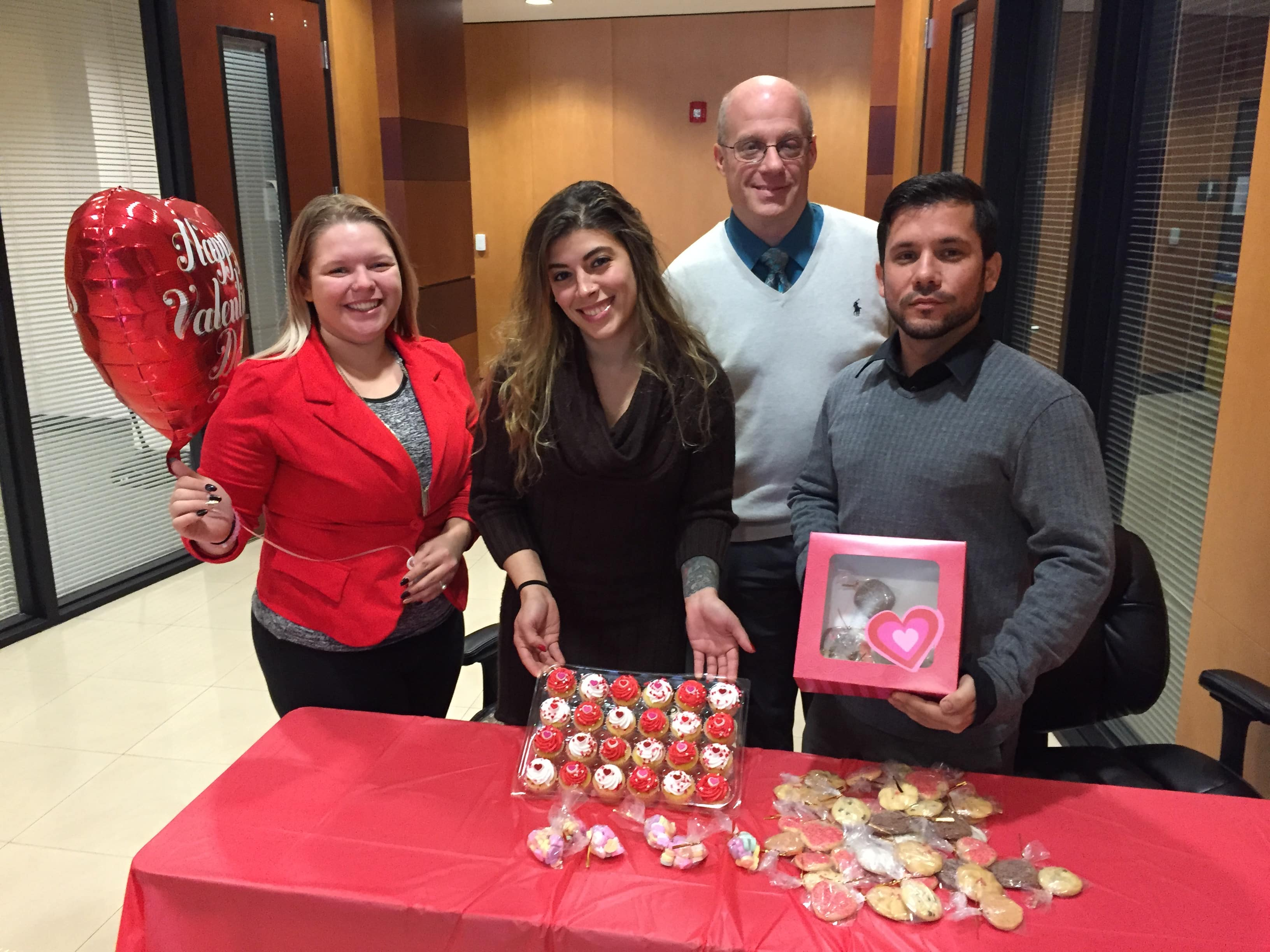Miami's Psychology Club Holds a Sweet Fundraiser