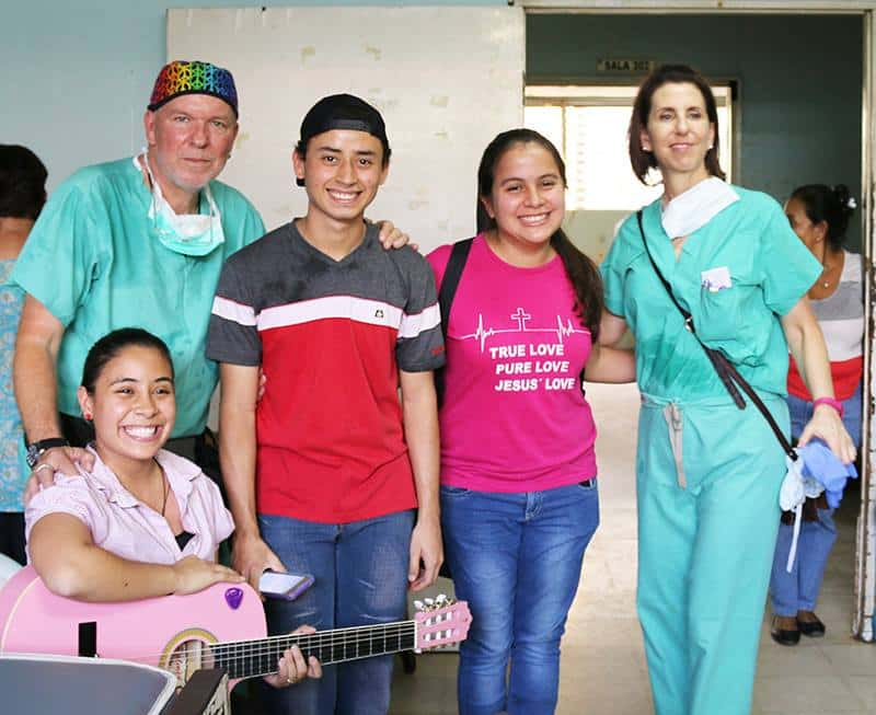Students from Latin American Campus Work with Paley Foundation