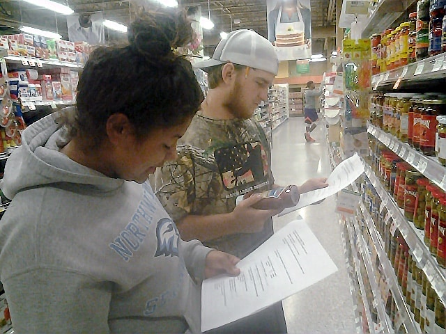 Keiser University Exercise Science Students Enjoy Nutritional Scavenger Hunt