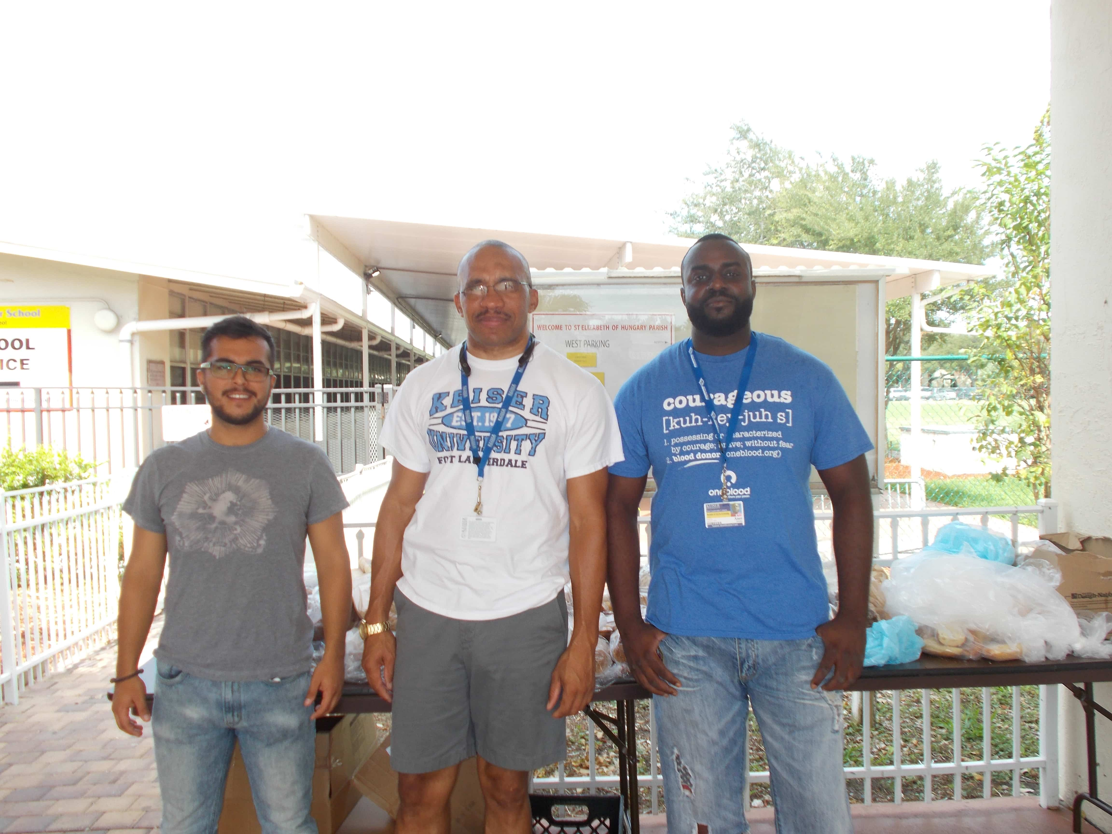 Ft. Lauderdale Biology Students Help in the Community