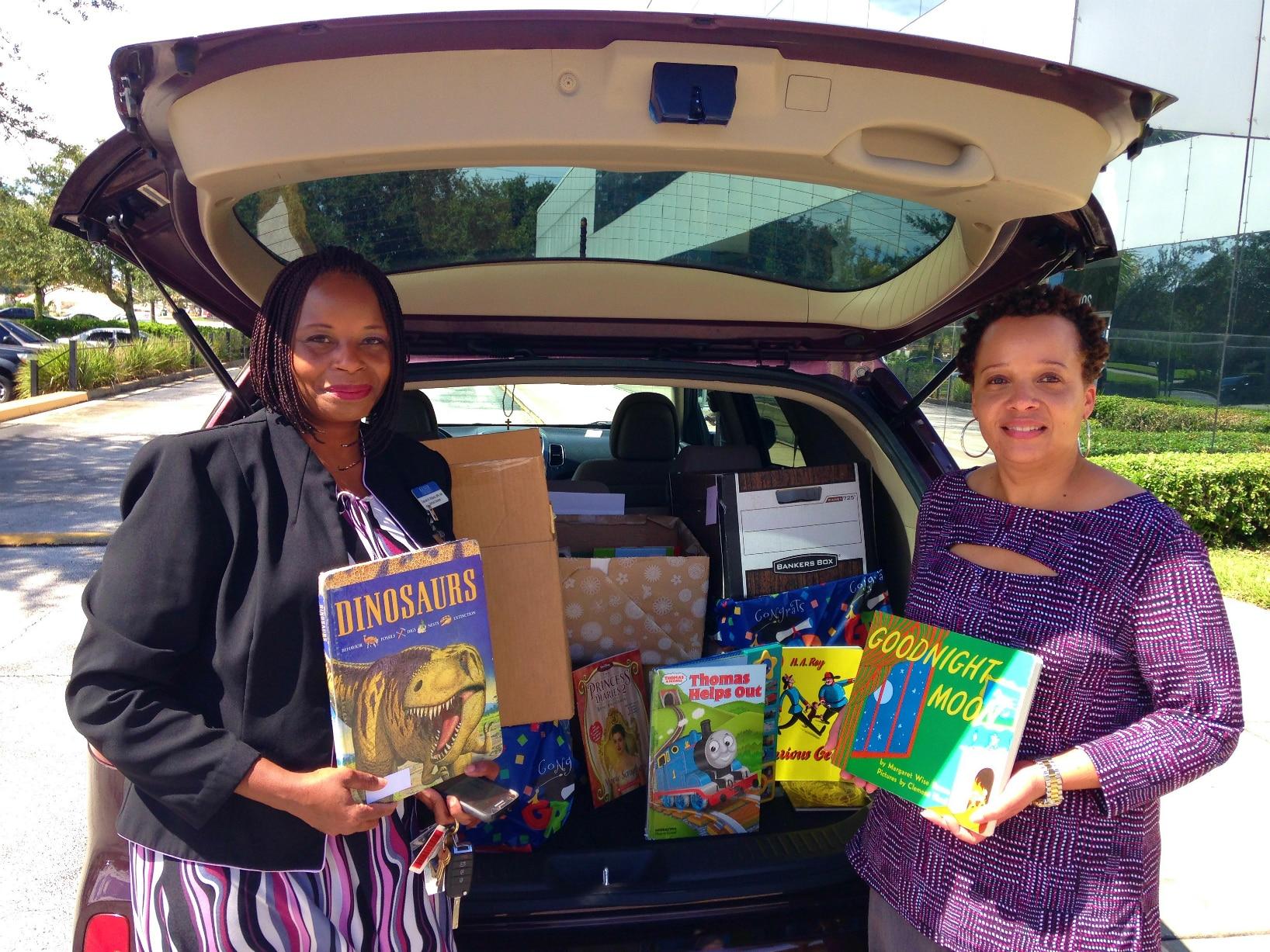 Jacksonville's Campus Donates Over 400 Books to the Early Learning Coalition!