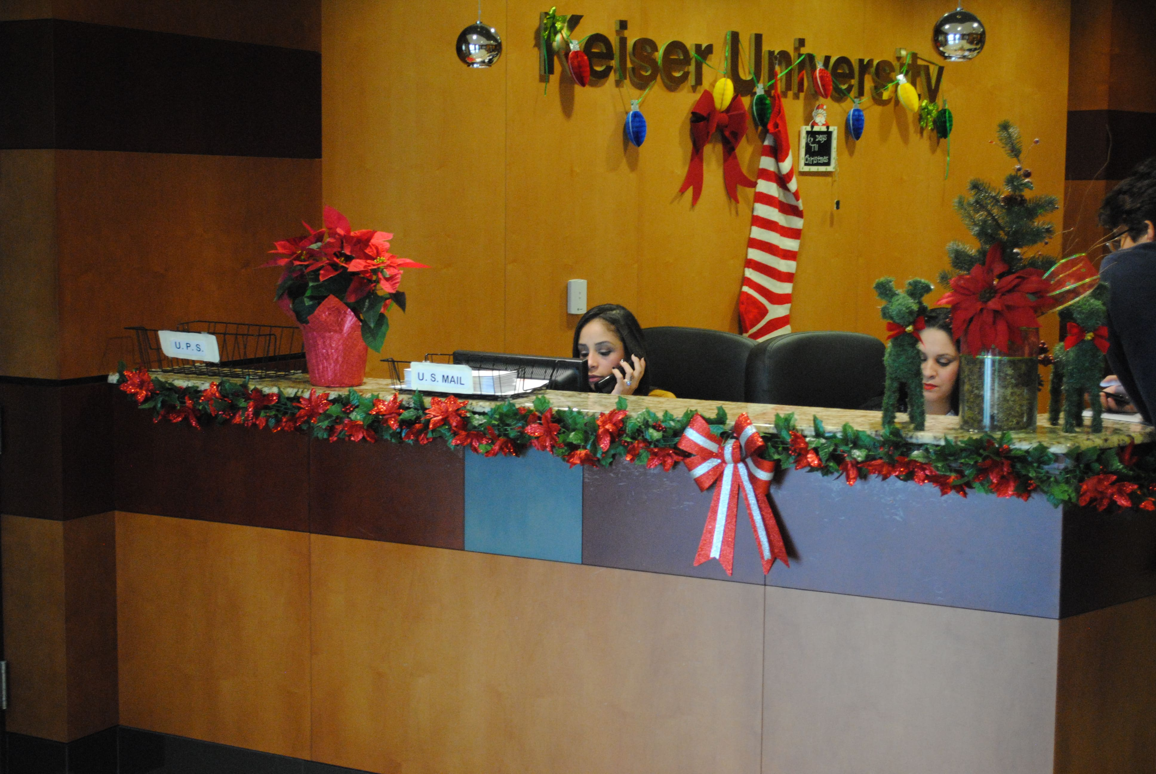 The Miami Campus is Ready for the Holidays!