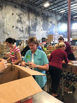 dn-volunteer-second-harvest-dec-2016-1