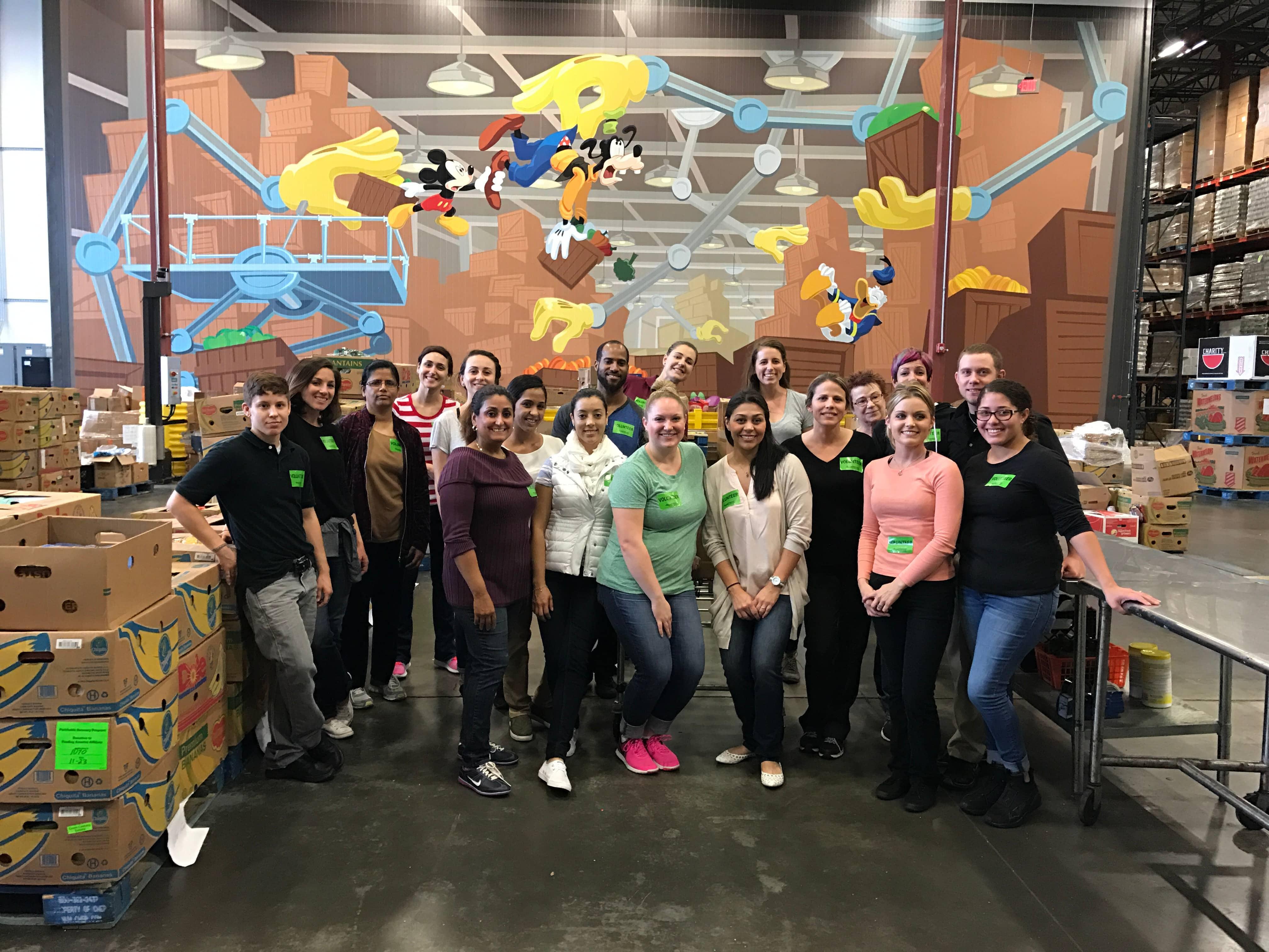 Lakeland Students Volunteer at Second Harvest Food Bank