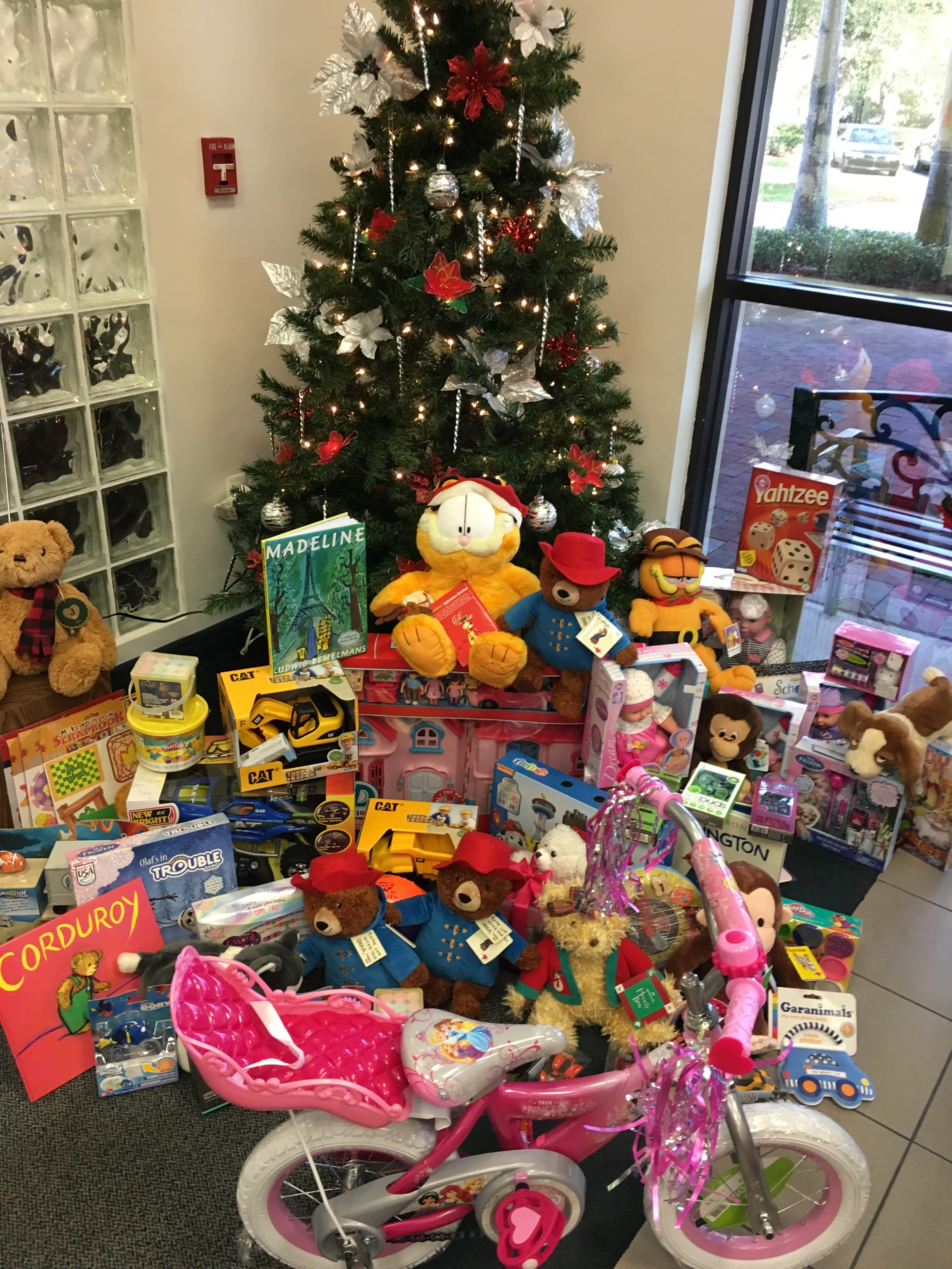 Display Toys For Tots : Daytona collects gifts for toys tots keiser university