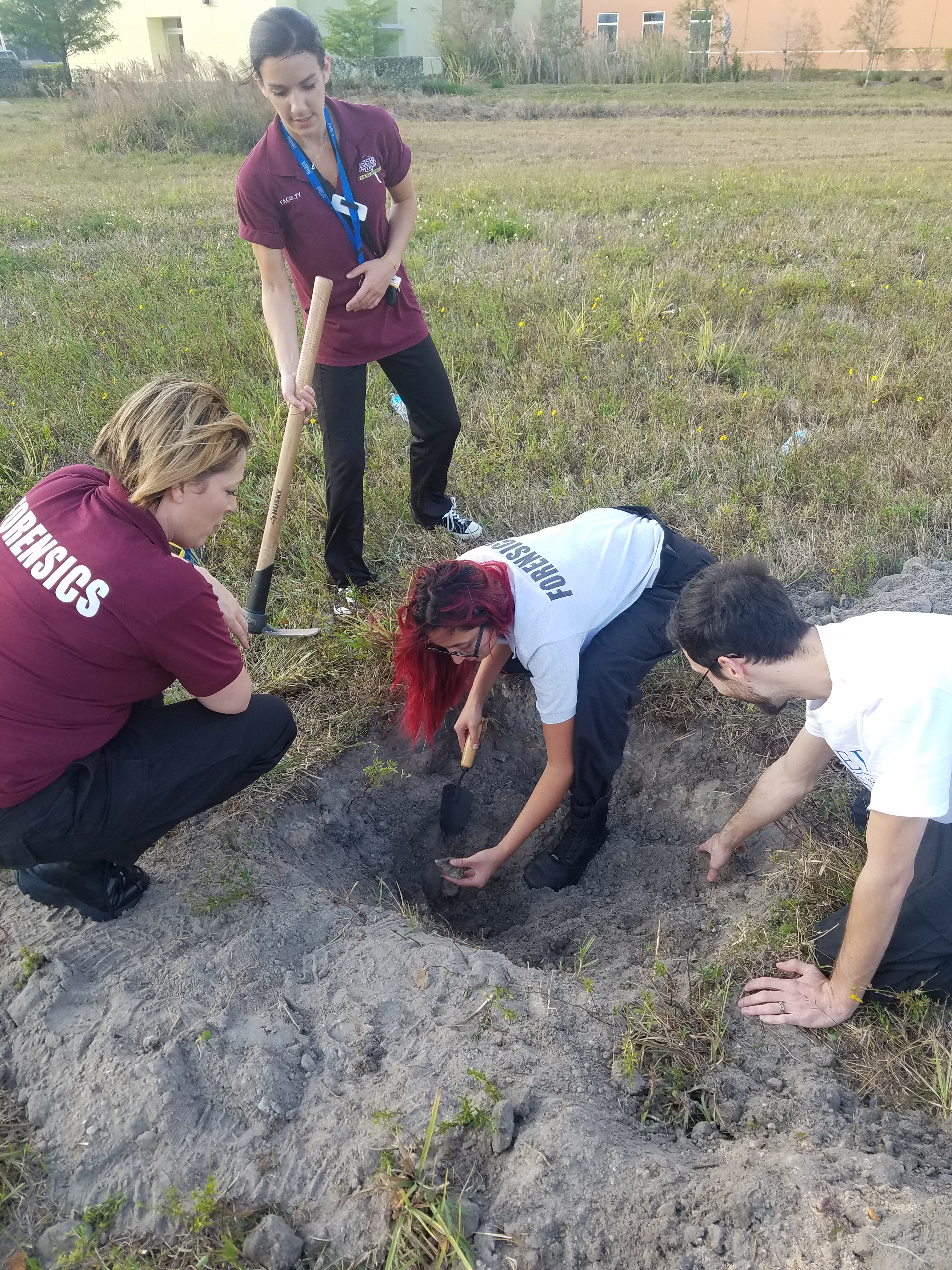 Fort Myers Forensic Investigations Students Totally Dig Class