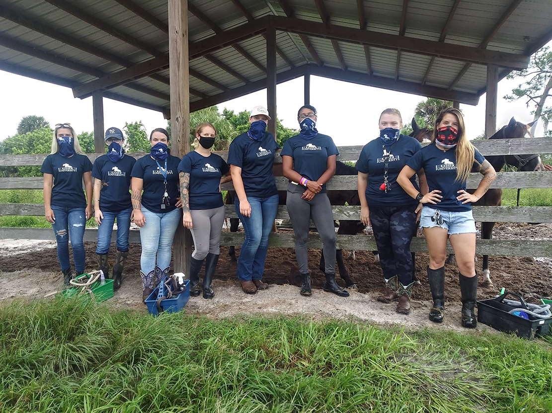 Keiser University Equestrian Students Support Thoroughbreds at Rehoming Facility